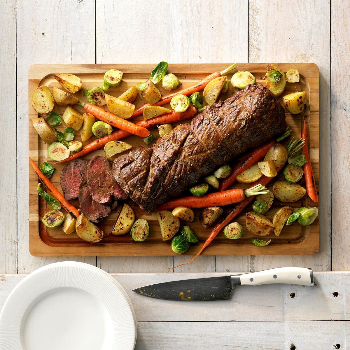 Beef Tenderloin With Roasted Vegetables Recipe Taste Of Home