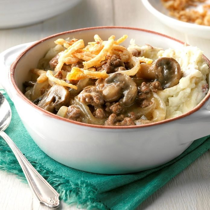 Beef And Mushrooms With Smashed Potatoes Exps Sdon17 191910 D06 30 2b 4