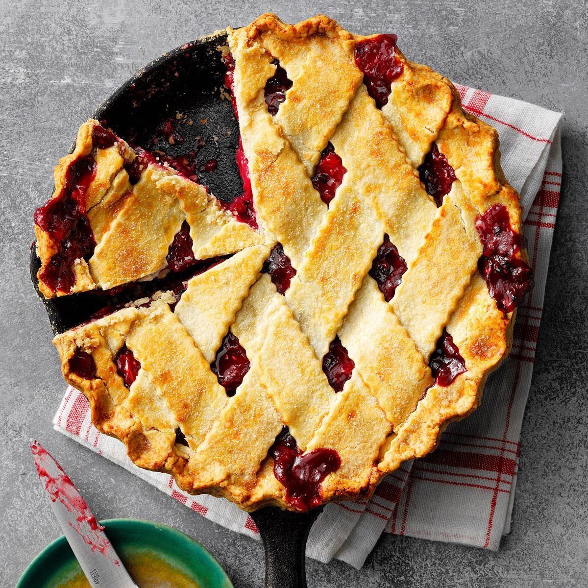 Blueberry Crumb Pie: Berry-Apple-Rhubarb Pie Recipe