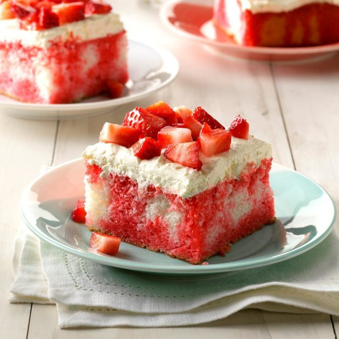 Tennessee: Berry Dream Cake