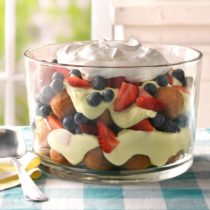 Berry Lemon And Doughnut Hole Trifle Exps Thls17 204890 D02 22 1b 2