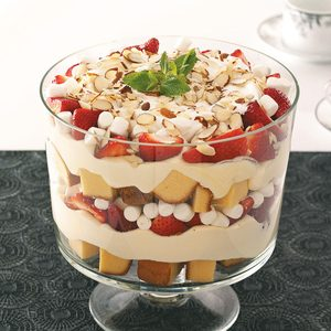 Berry-Marshmallow Trifle