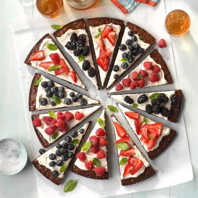 Berry-Patch Brownie Pizza
