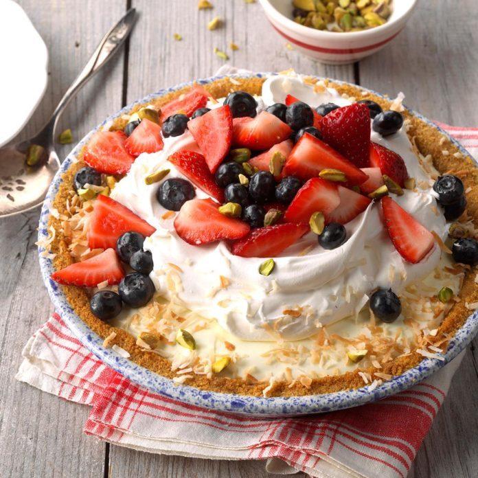 Day 20: Berry Pistachio Pie