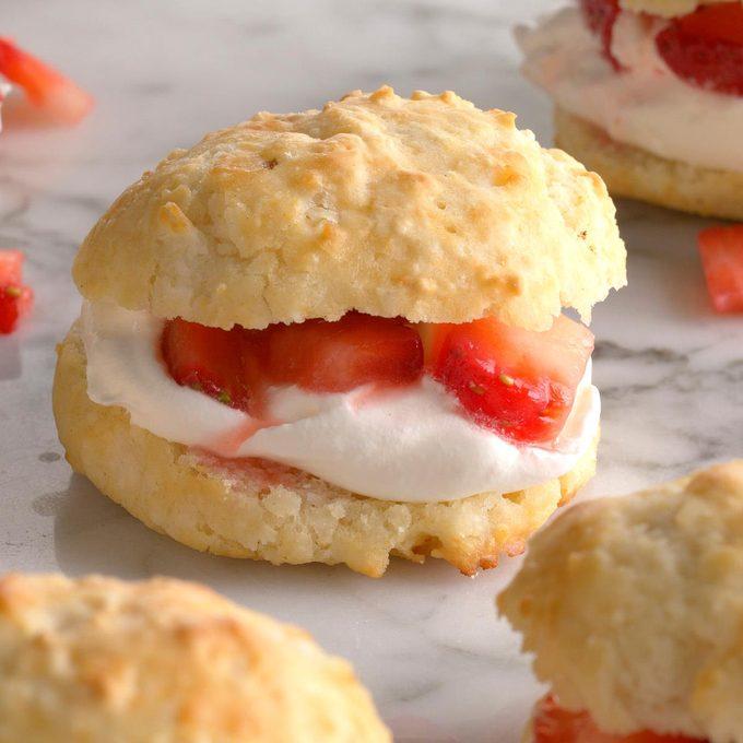 Biscuit Strawberry Shortcake Exps Qebz20 10622 B01 22 5b 4