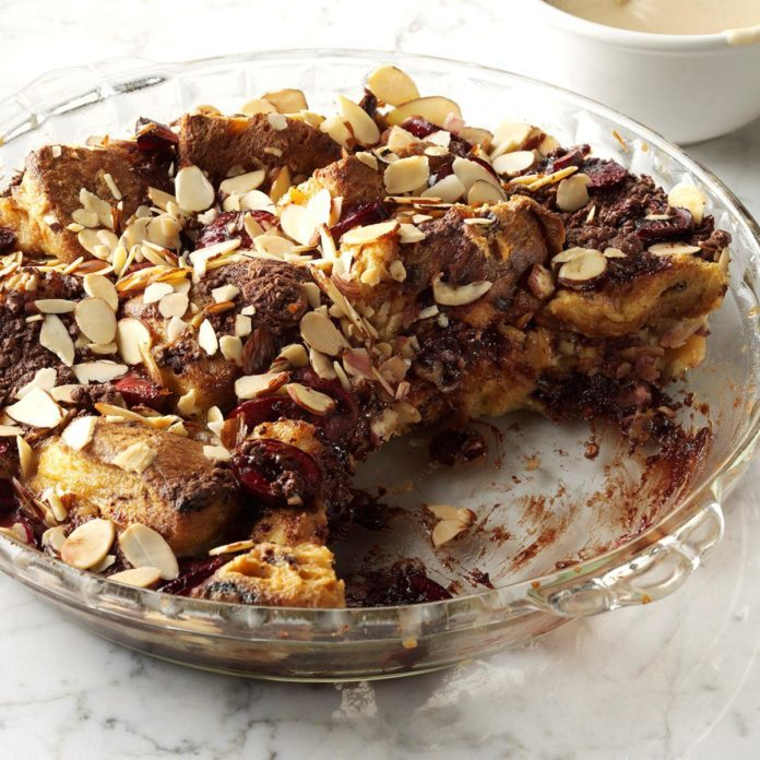 Connecticut: Black Forest Panettone Pudding