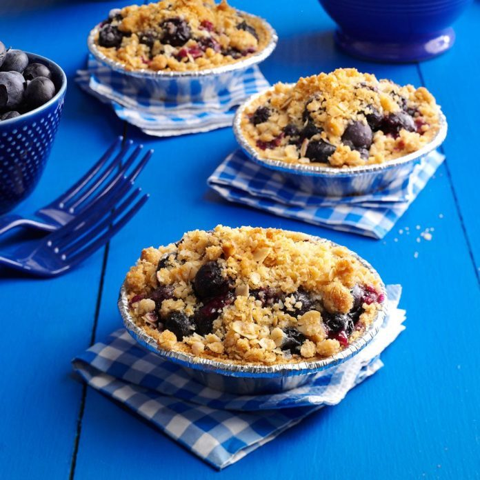 Blueberry Crumble Tarts