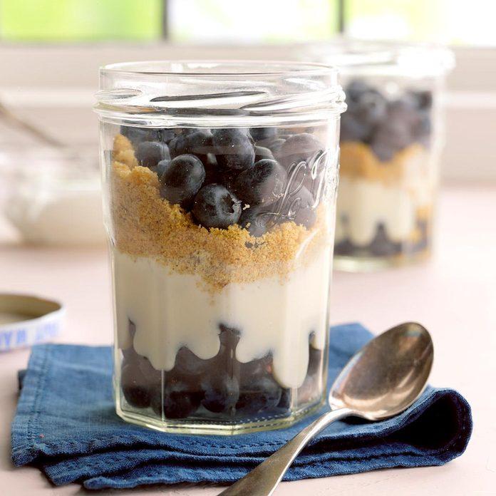Blueberry Graham Dessert Exps Bdsmz17 19122 B03 02 5b 2