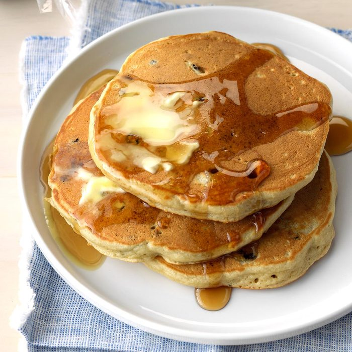 Blueberry Maple Sugar Pancakes Exps Thca18 185904 C01 05 2b