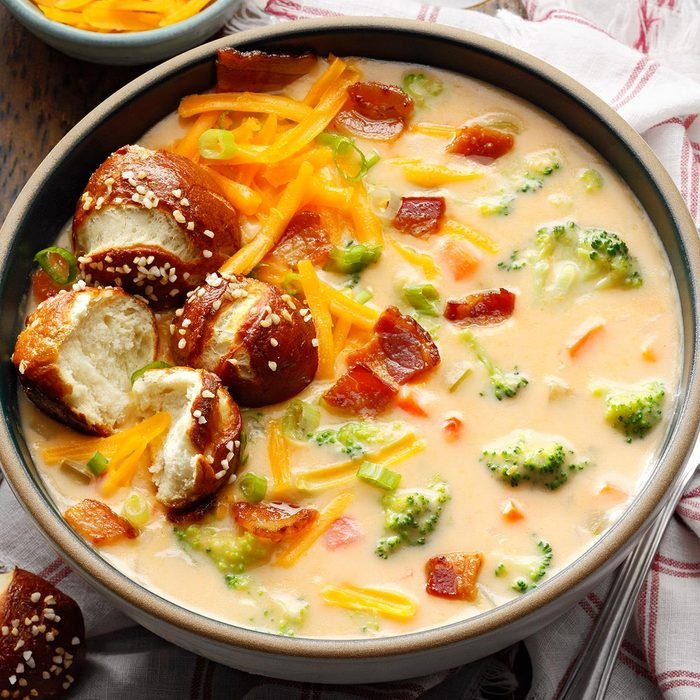 Broccoli Beer Cheese Soup Exps Sbz22 44950 B09 21 4b