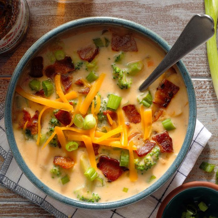 Broccoli Beer Cheese Soup Exps Ssmz20 44950 B10 08 4b 13