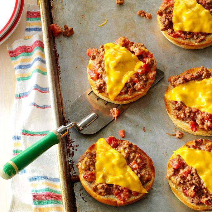 Broiled Pizza Burgers Exps26032 Gb143373d01 15 4bc Rms 3