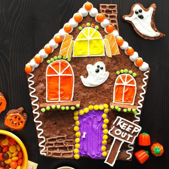 Spooky Snack: Brownie Haunted House