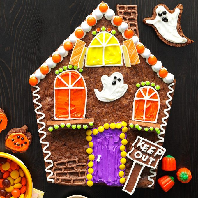 Spooky Snack: Brownie Haunted House