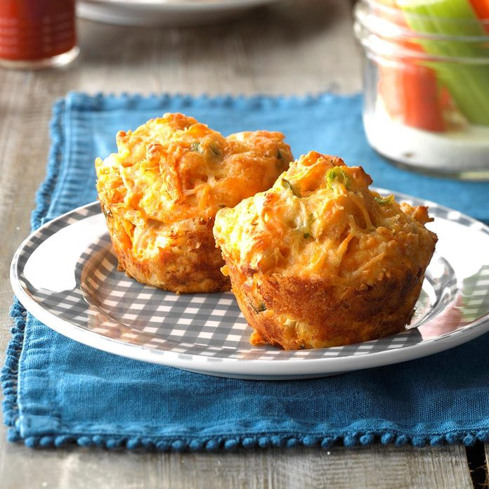 Buffalo Chicken Biscuit Exps Sdas17 155623 C04 07 2b 4