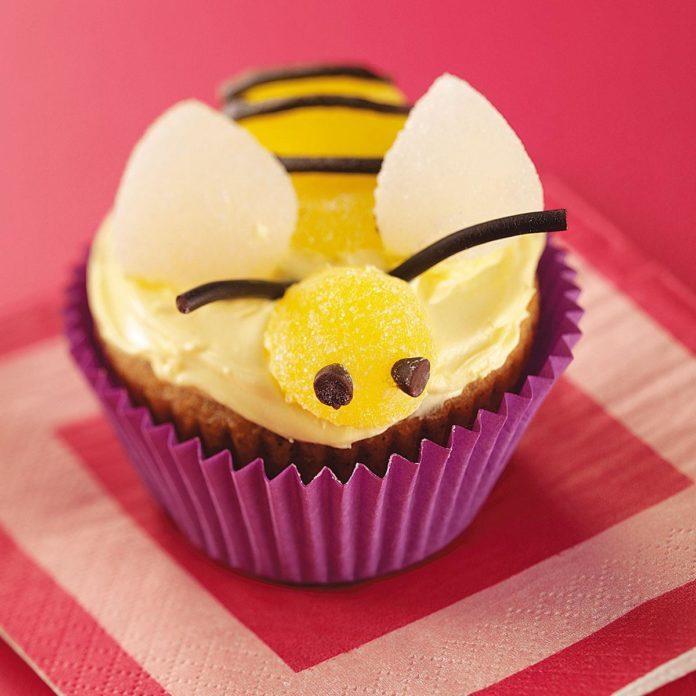 Bumblebee Banana Cupcakes
