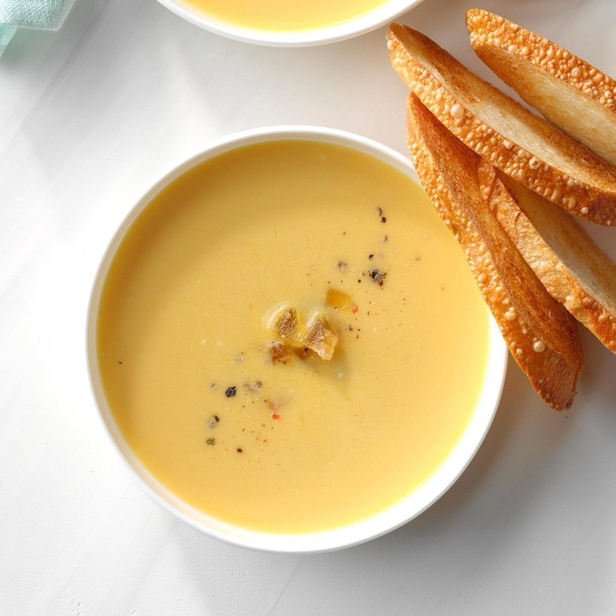 22 Vegetarian Slow Cooker Soups