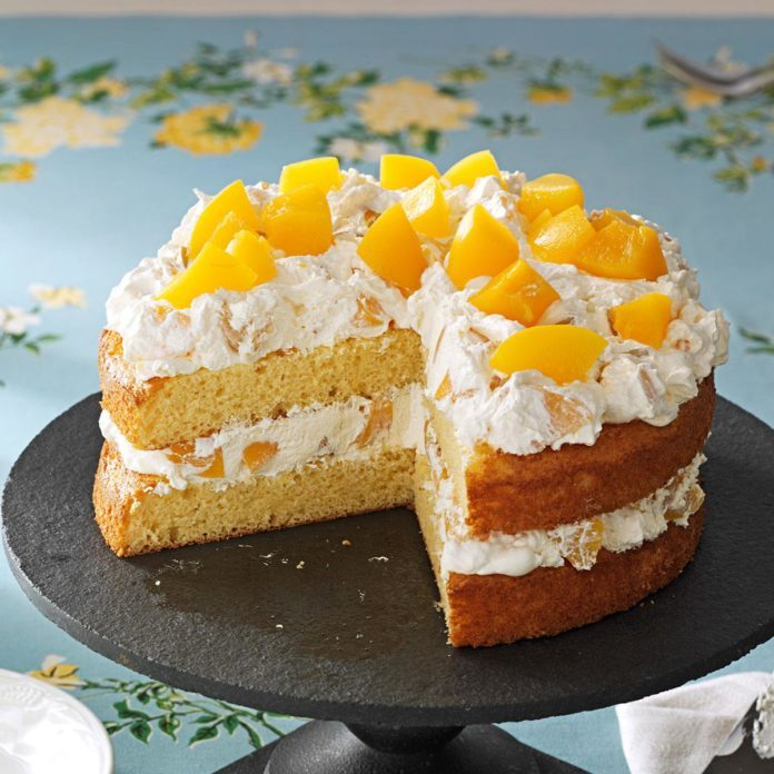 Arkansas: Cake with Peaches