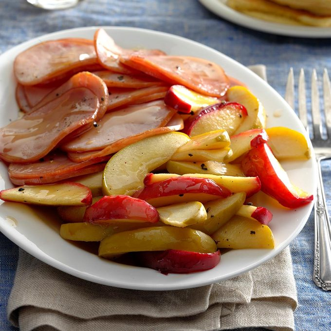 Canadian Bacon With Apples Exps Thca17 22546 B11 03 3b 4