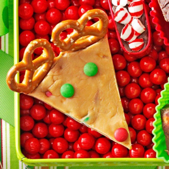 Candy Bar Fudge Reindeer