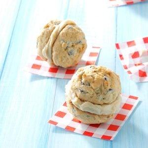 Caramel-Chocolate Chip Sandwich Cookies