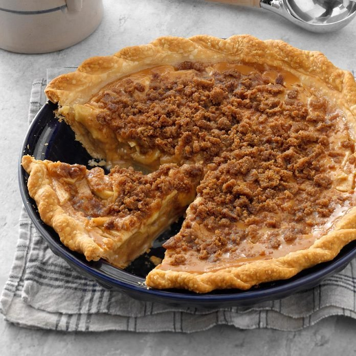 Caramel Crunch Apple Pie Exps Fbmz19 3298 B05 01 2b 3