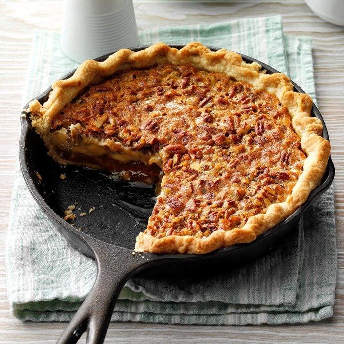 Caramel Pecan Cheesecake Pie Exps Tohpp19 35948 E03 19 3b 4