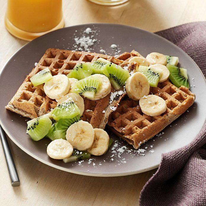 Cardamom Sour Cream Waffles