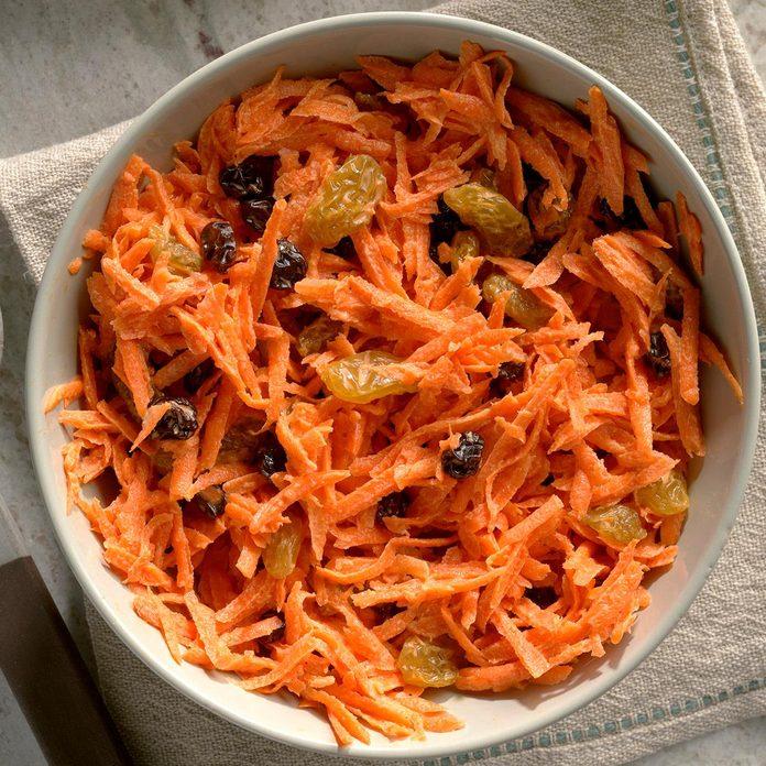 Carrot Raisin Salad Exps Qebz20 118 B01 22 3b 3