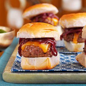 Cheddar & Onion Beef Sliders