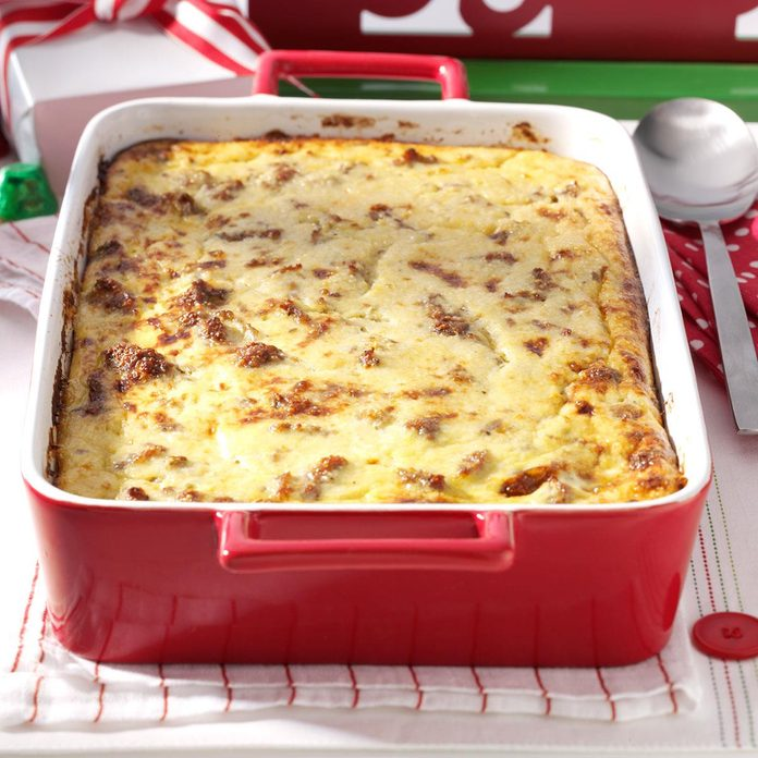 Cheese Grits & Sausage Breakfast Casserole