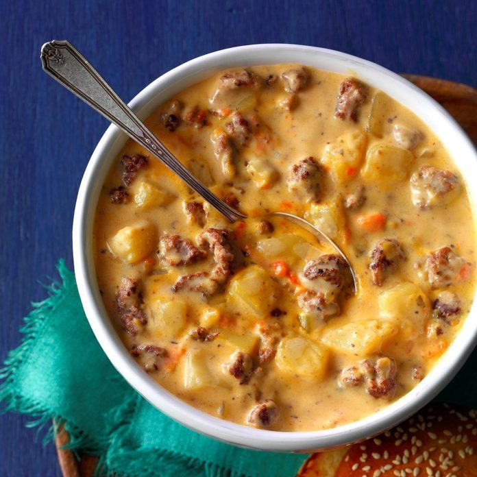 Wisconsin: Cheeseburger Soup