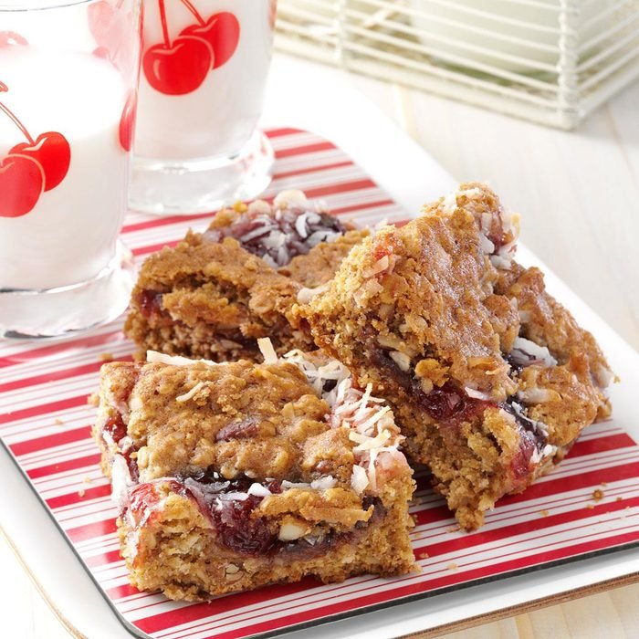 Cherry Oat Bars Exps128764 Apr2947593a09 19 1bc Rms 4