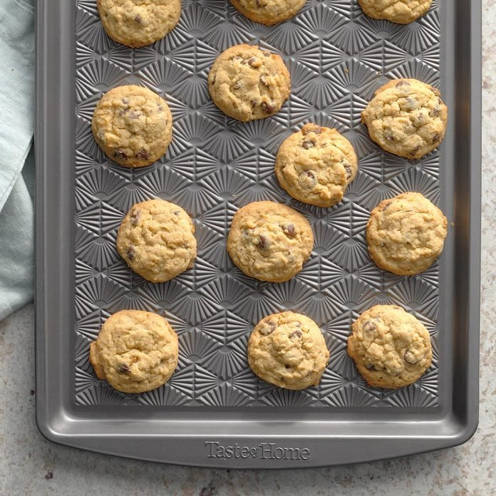 Chewy Chocolate Chip Cookies Exps Diyd19 11170 B09 10 1b 2