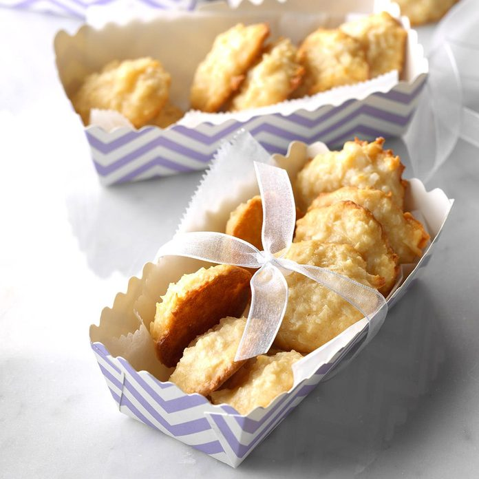 Chewy Coconut Macaroons Exps Wrsm17 27356 C03 24 1b 1
