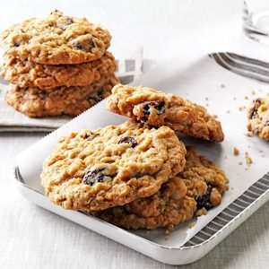 Chewy Good Oatmeal Cookies