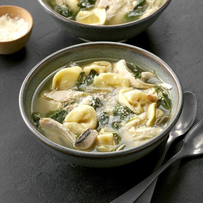 Chicken Spinach Tortellini Soup Exps Chbz19 47268 C10 23 6b 8
