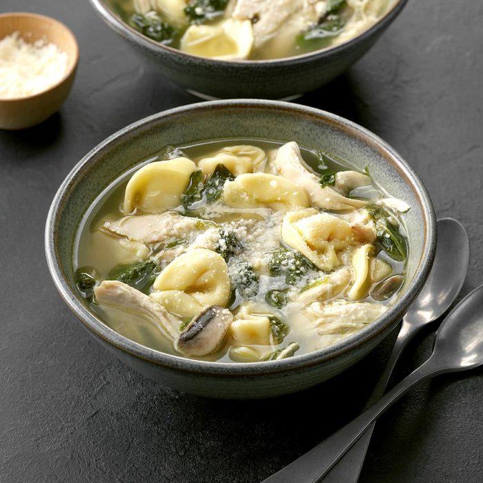 Chicken Spinach Tortellini Soup Exps Chbz19 47268 C10 23 6b 9