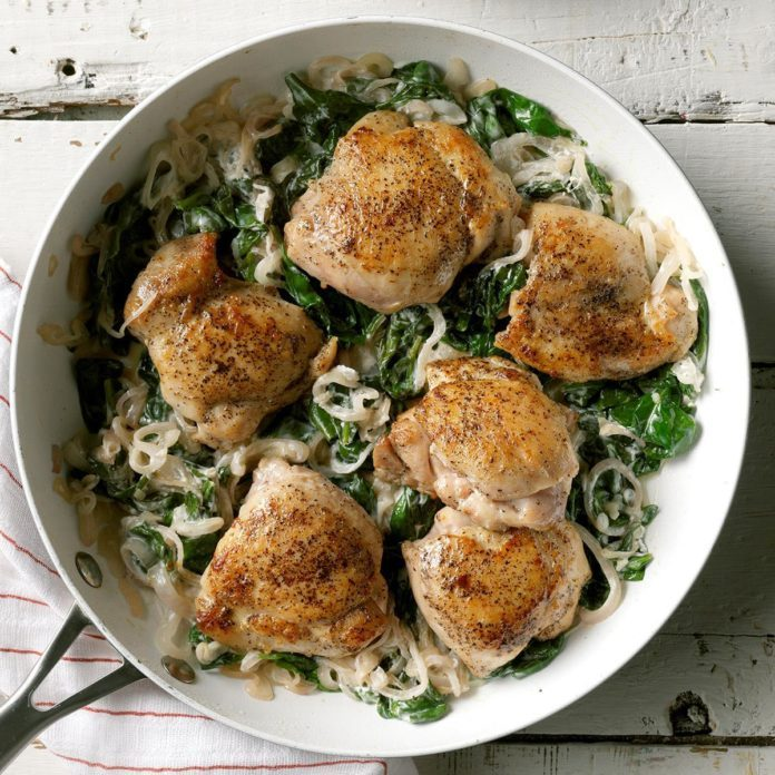 Chicken Thighs With Shallots Spinach Exps Sdam19 45682 C12 12 4b 8