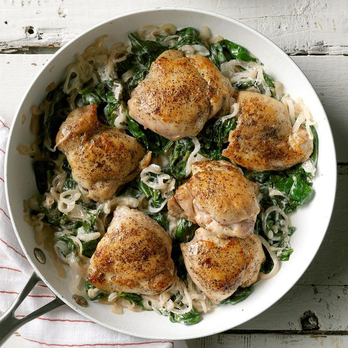Chicken Thighs With Shallots Spinach Exps Sdam19 45682 C12 12 4b