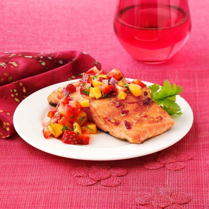 Chipotle Salmon with Strawberry Mango Salsa