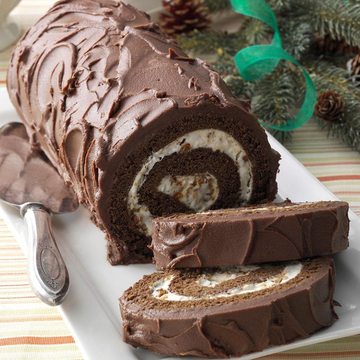 Chocolate Cake Roll With Praline Filling Exps152977 Thca2916394d11 12 8bc Rms