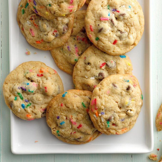 Chocolate Chip Sprinkle Cookies Exps Hccbz19 11197 B05 29 3b 3