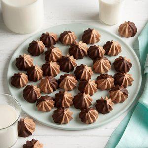 Chocolate Meringue Stars
