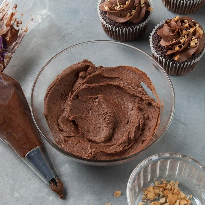 Chocolate Peanut Butter Frosting Exps Ft19 36436 F 0917 1 4