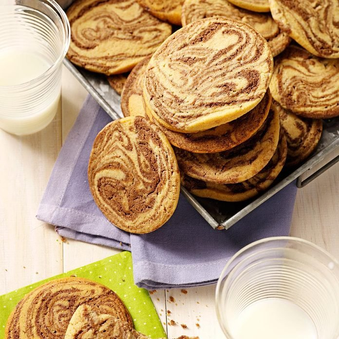 Chocolate Swirled Peanut Butter Cookies Exps61095 Thca2180111b02 14 4bc Rms 1