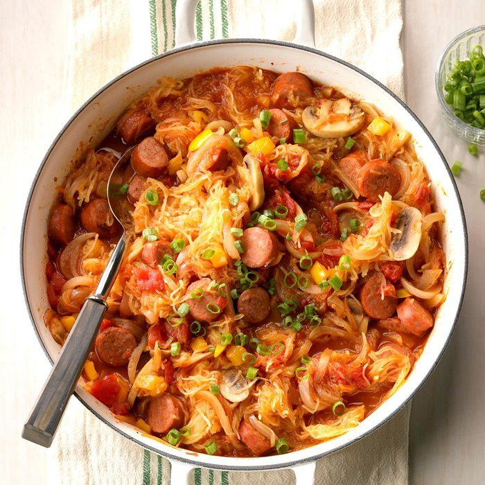Chorizo Spaghetti Squash Skillet Exps Sddj18 188643 D08 09 4b 4