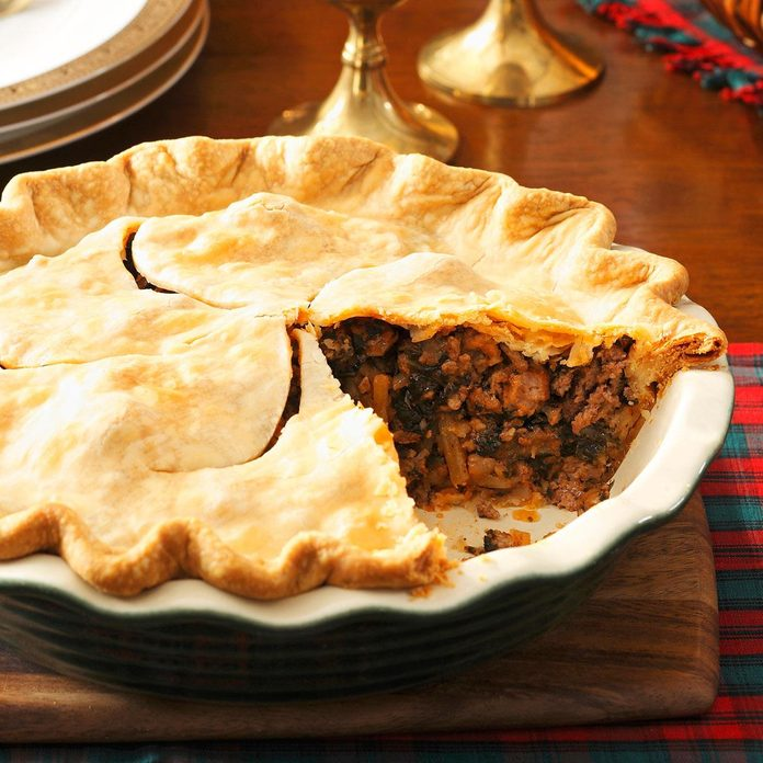 Christmas Eve Meat Pie Exps119527 Hc143213c01 28 3bc Rms 1