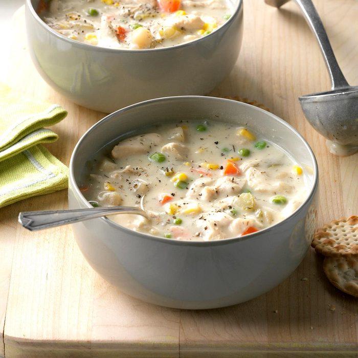 Chunky Creamy Chicken Soup Exps Hscbz17 31864 D07 26 2b