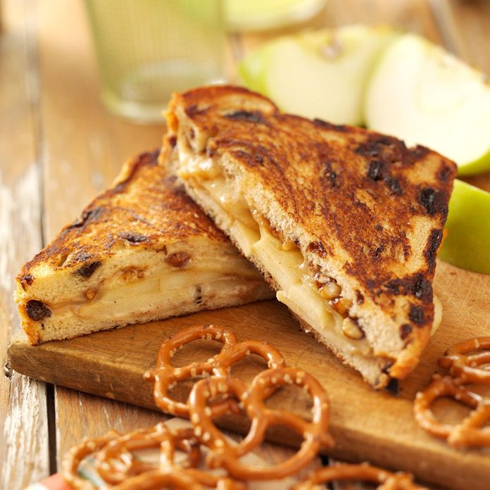 Cinnamon Apple Grilled Cheese Exps38386 Cft1191211c05 09 3b Rms 2